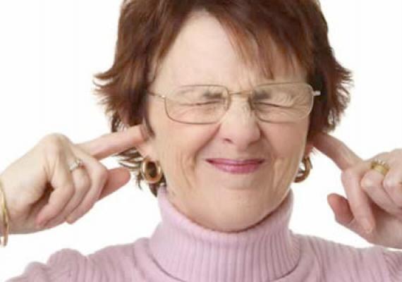 ūžimas ausyse su hipertenzija)